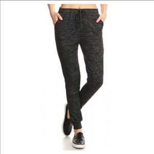Pants - 💥NEW💥 SOFTEST Charcoal Gray black Knit Jogger